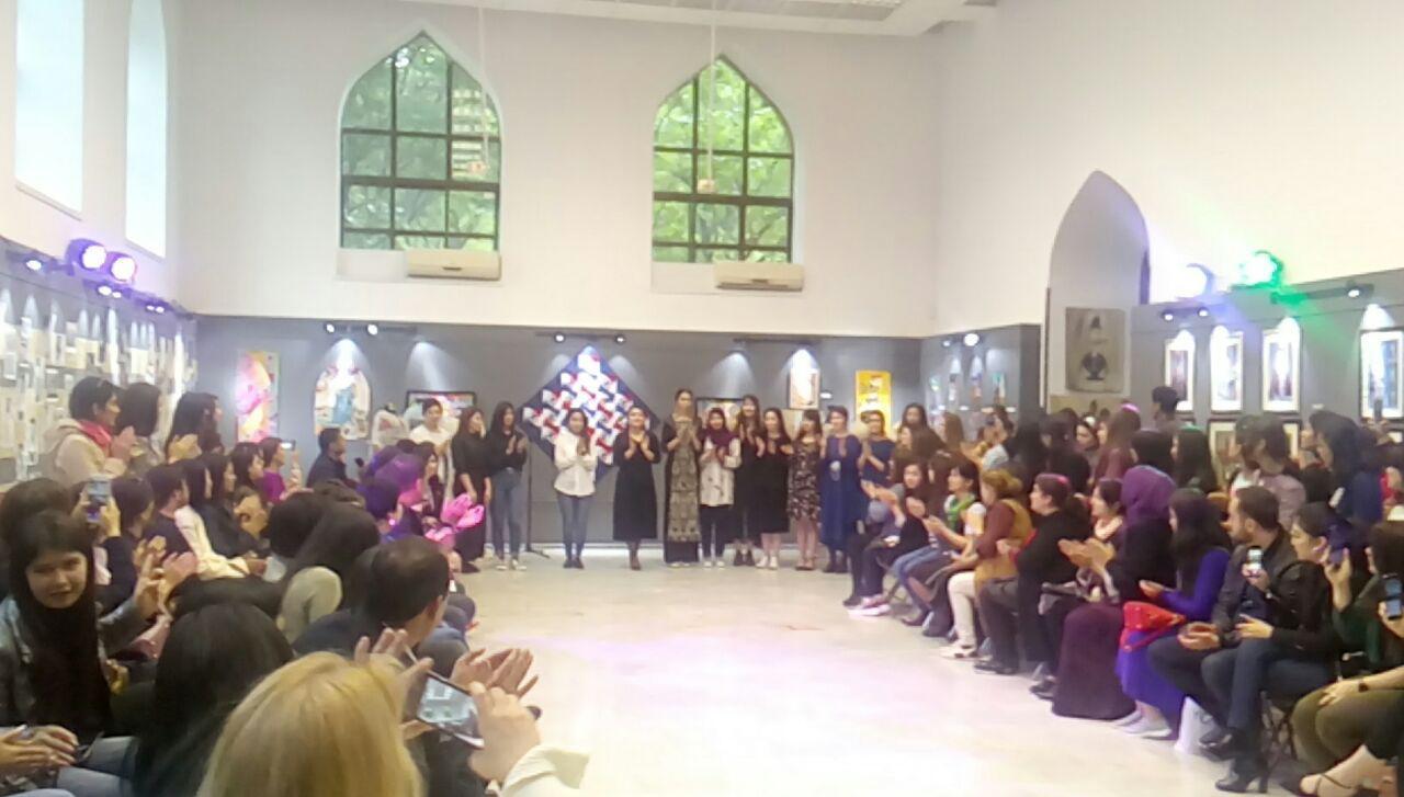 c116b67b413 25 апреля текущего года в 15.00 в Ташкентском Доме фотографии состоялась  презентация традиционных национальных и современных костюмов